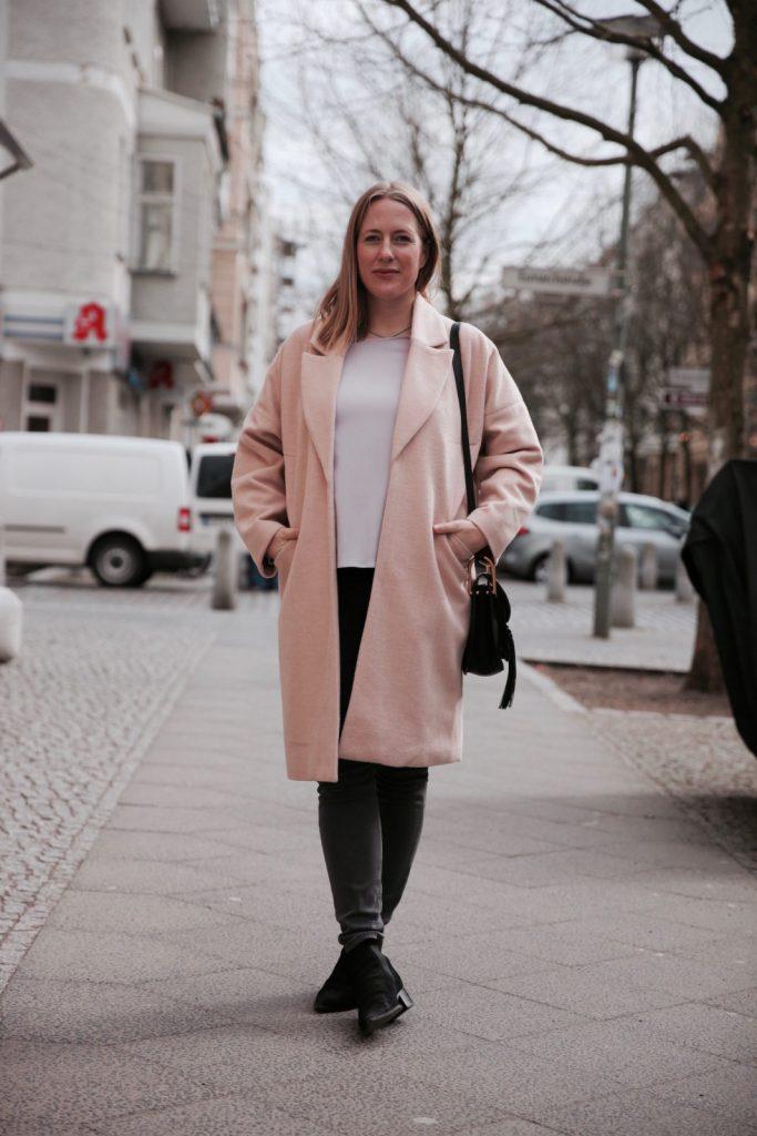 Der rosa Mantel