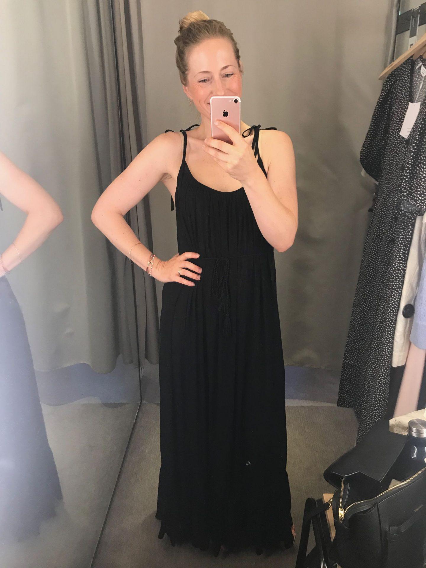 Last-Minute-Shopping vor dem Urlaub: Die schönsten schwarzen Sommerkleider von & Other Stories |Anzeige, enthält Affiliate Links