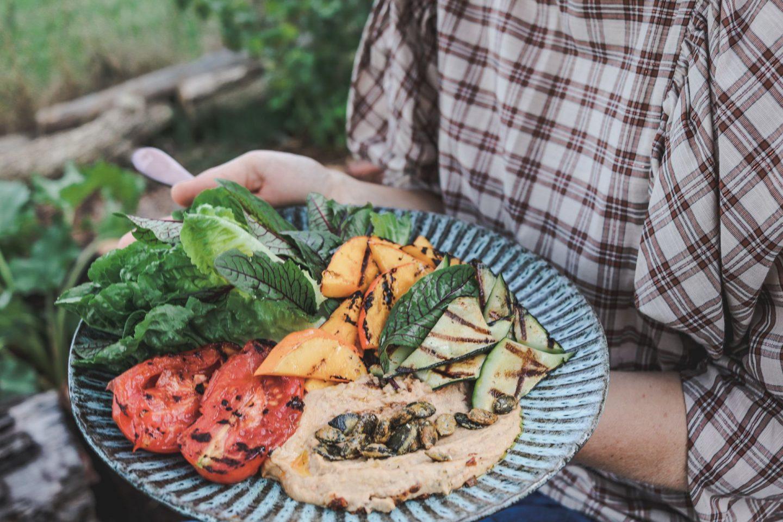 We love Veggies: Das ist unser herbstlicher Grillteller mit Obela Hummus  #Anzeige