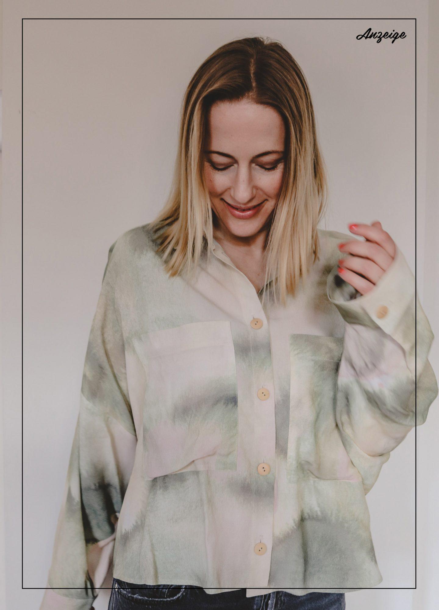 Quarantäne-Chic: die Batik-Bluse von Áeron
