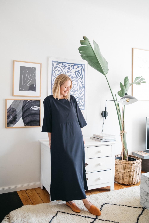 April First Muse by Sandra Semburg – das Galeristin-Kleid