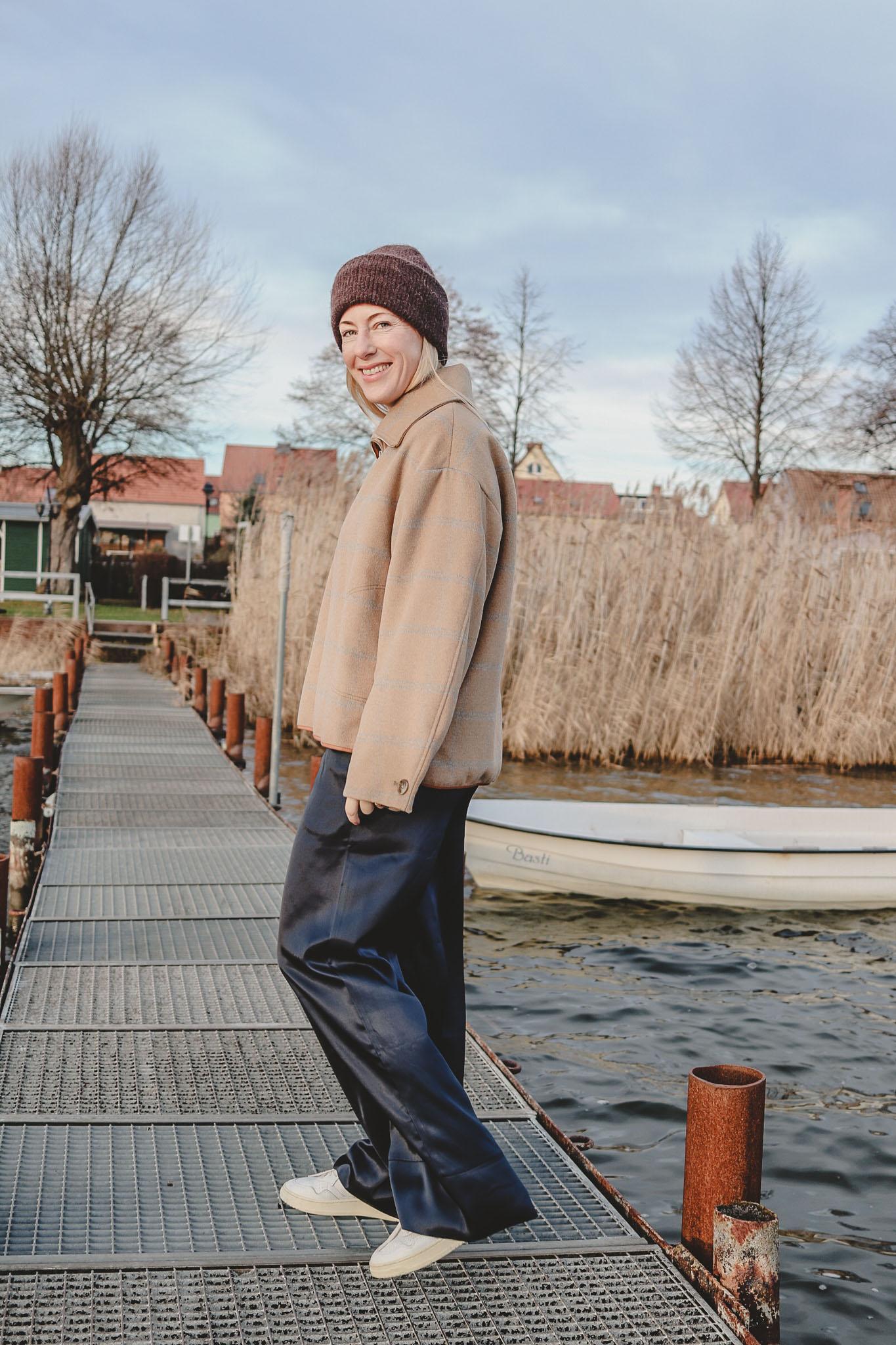 Muckel-Chic im Januar: Schlupfjacke und Pyjama Pants