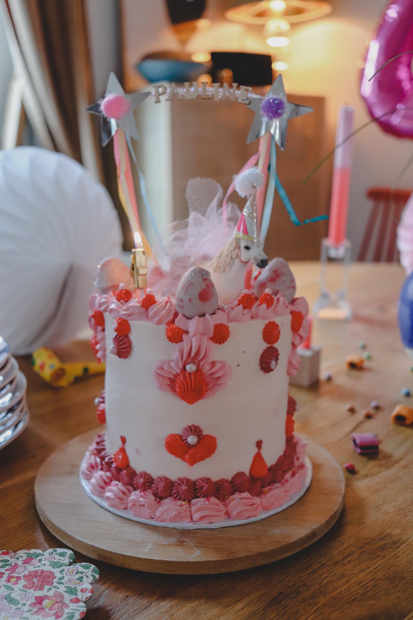 Süße Sensation: Glutenfreie Geburtstagstorte mit frischen Erdbeeren von Süße Flora